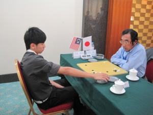 Wynes (2-dan) vs  菊田义正 (4-dan)