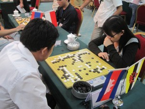 Li MinYang (3-kyu) vs Hui Yee