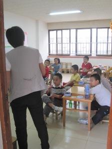 Teacher teaching weiqi