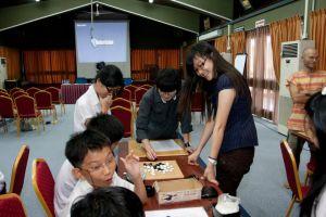 Chai Hui playing simultaneous games